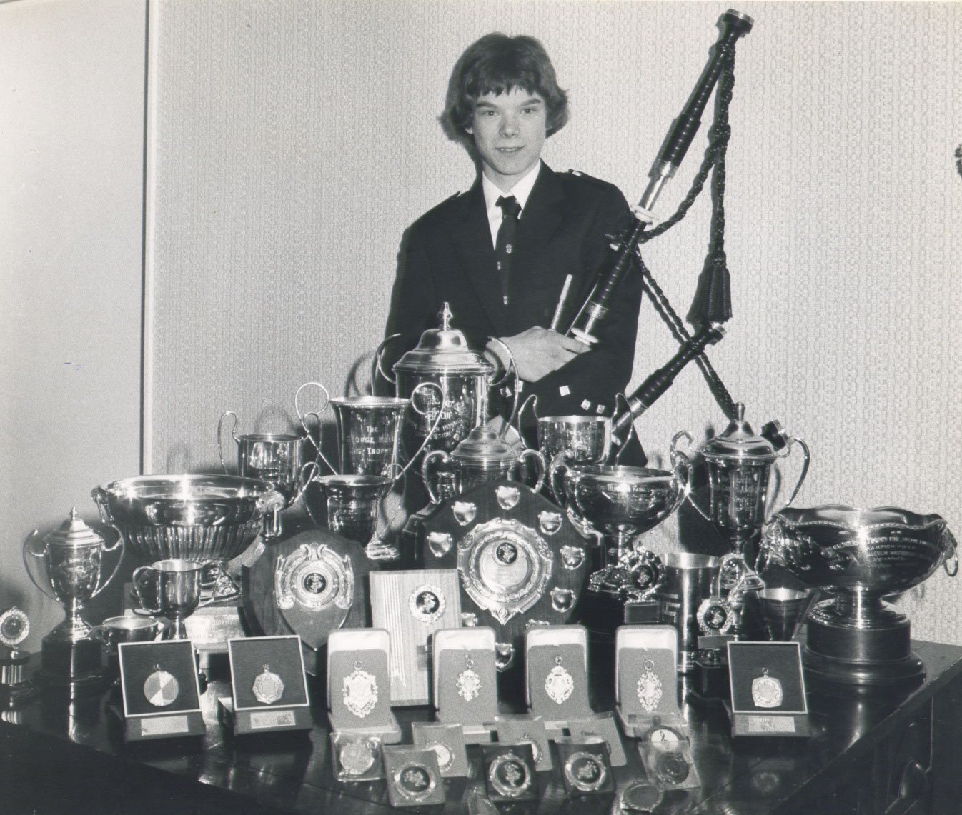 Gordon and his solo trophies in 1975